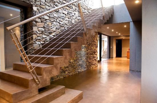 Best Ways to Utilize the Space under the Staircases