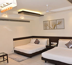 4 Star Hotels in Karol Bagh | Hotels near Karol Bagh | Amrapali Hotel