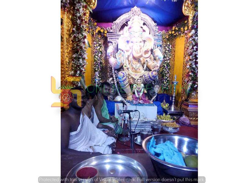 Ganapathi Pooja-Book Pandit for Ganesh Sthapana-Visarjan Puja