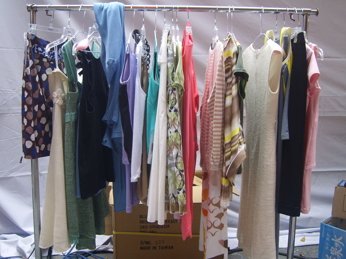 Why Everyone Needs Movable Clothes Racks