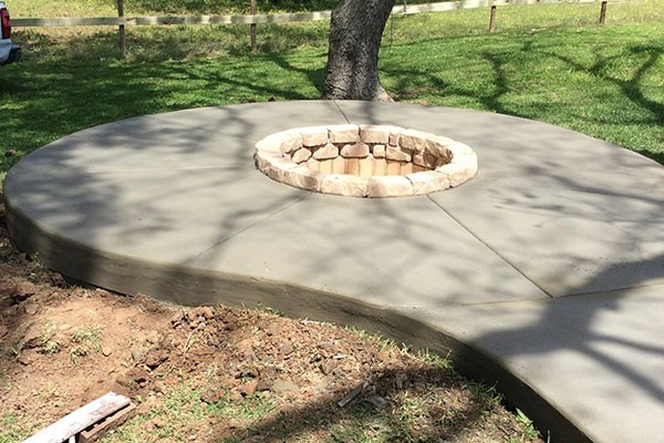 Concrete Specialists, patio installers, repairs The Woodlands TX