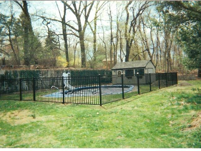 Orange Fence & Supply Photo Album - Finished Fencing Projects