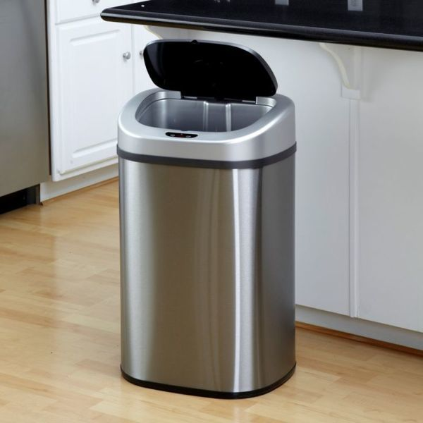 How to Modernize Your Kitchen With a Modern Trash Can
