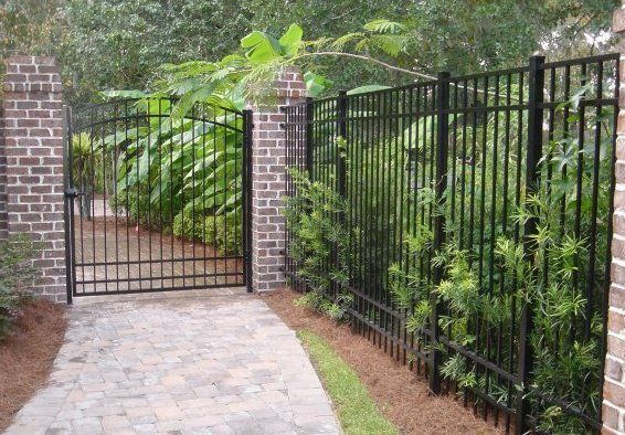 Fence Company Savannah, GA | Garden Fences & Privacy Fences