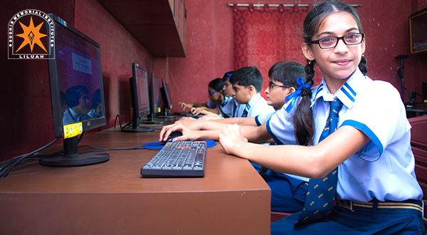 Modern updated computers rooms at SMIL | Top CBSE school in Howrah