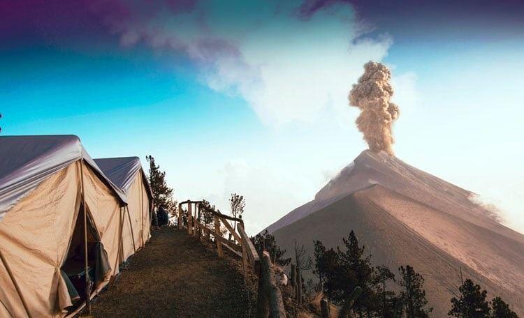 Acatenango Volcano Hike to Enjoy Volcano Eruption