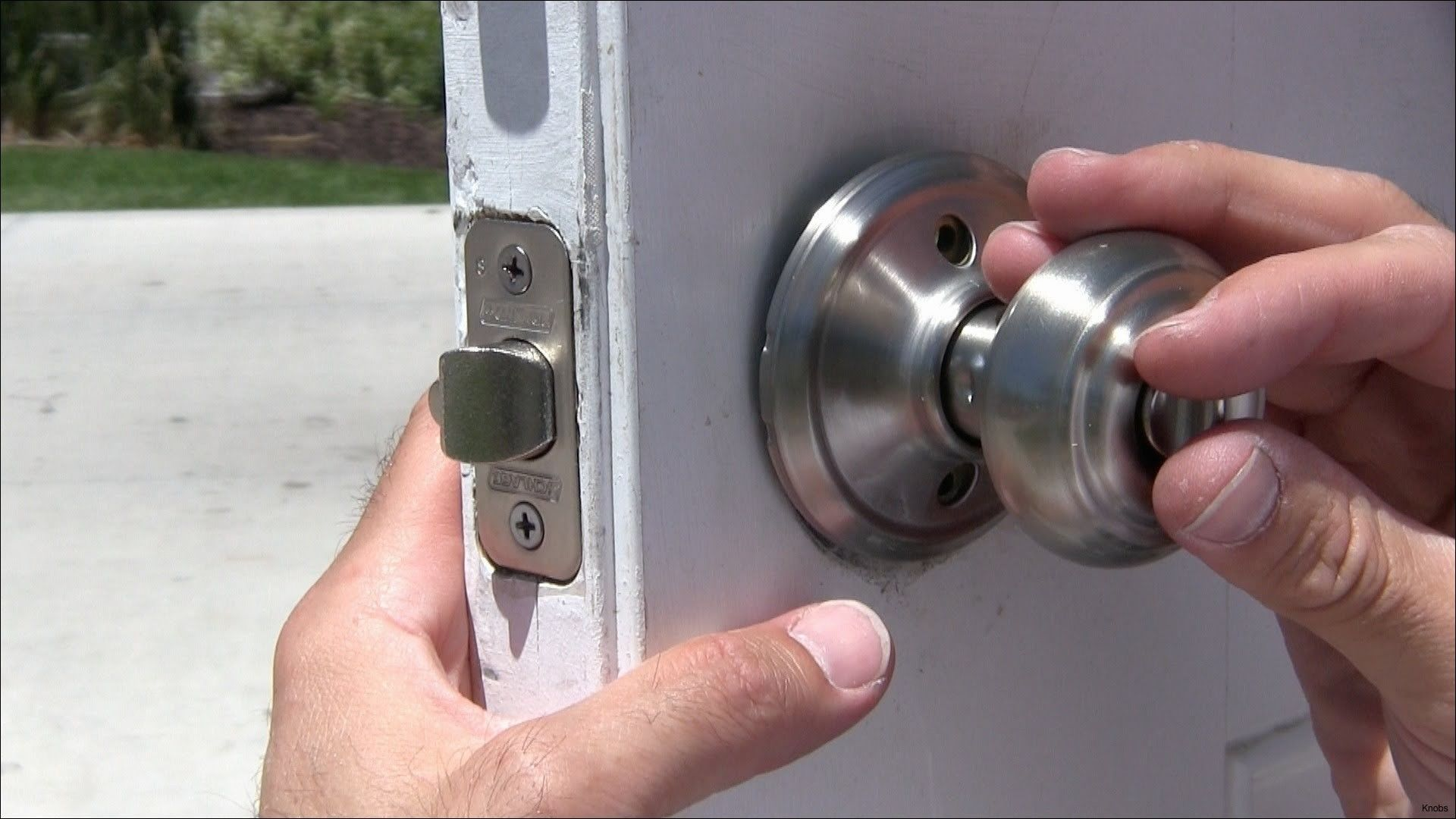 Suhana Review Blog: A Door Knob Add A Lot Of Beauty To Any Door