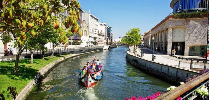Aveiro – The beauty is just a Portugal tourist visa away!
