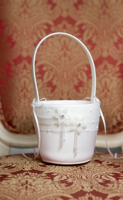 Buy Now White Flower Baskets For Weddings at Barongsrus.