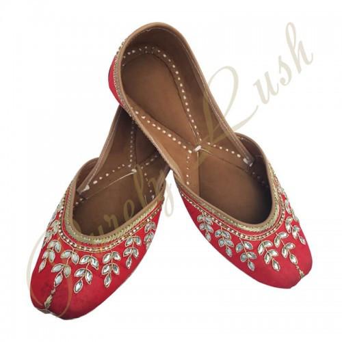 Types Of Latest Punjabi Jutti Designs – Online Fashion Designer