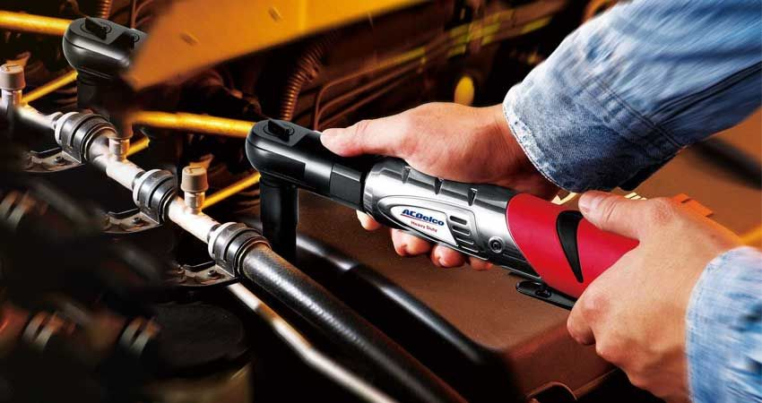 What to Consider When Buying the Best Cordless Ratchet