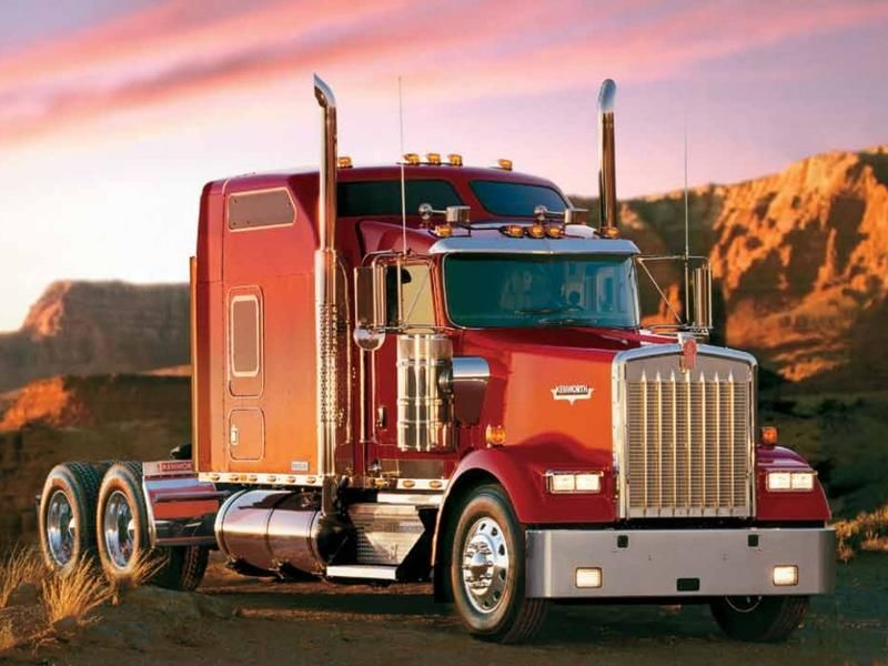 How A Truck Driving School Gets You Into The Trucking Industry?