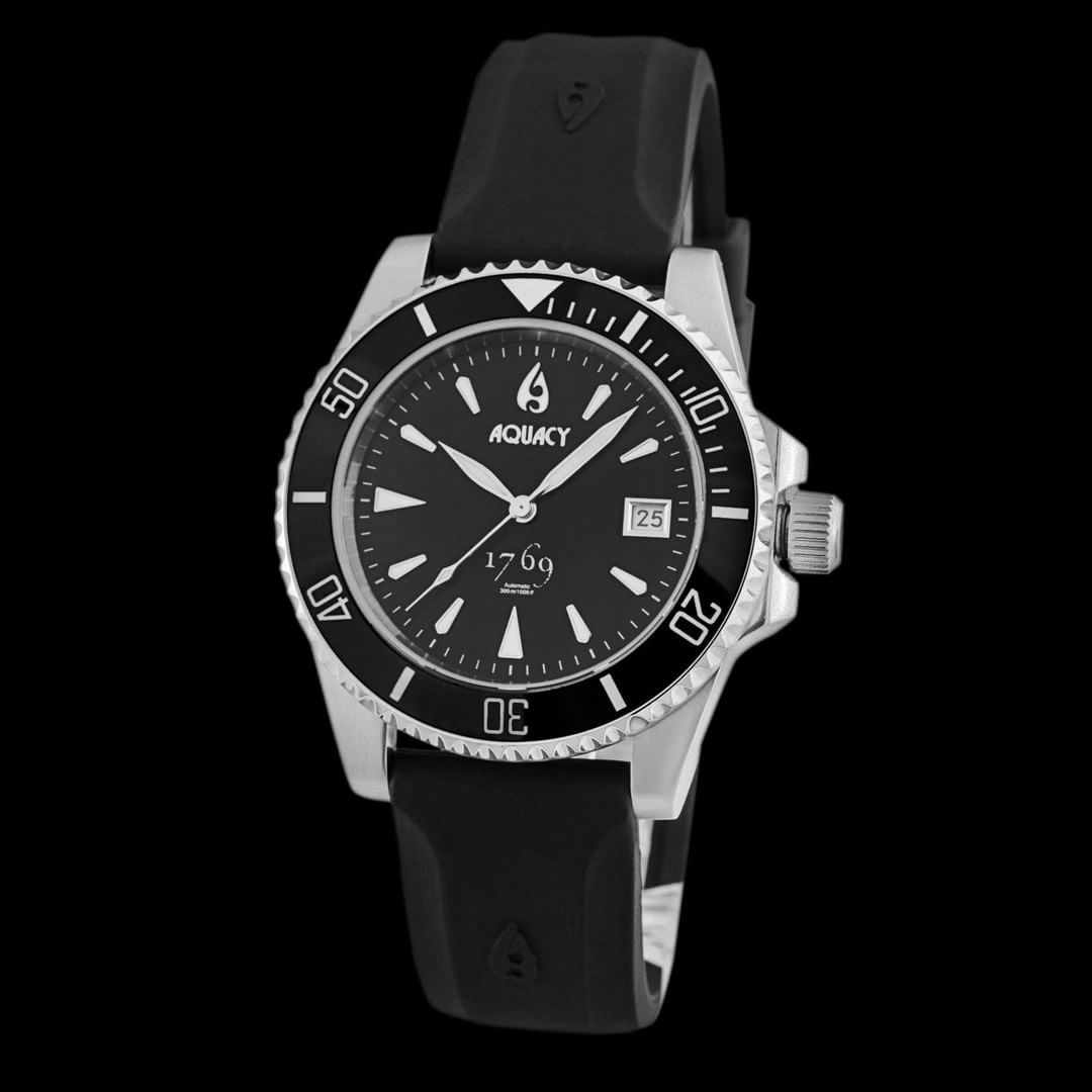 Black Dive Watch