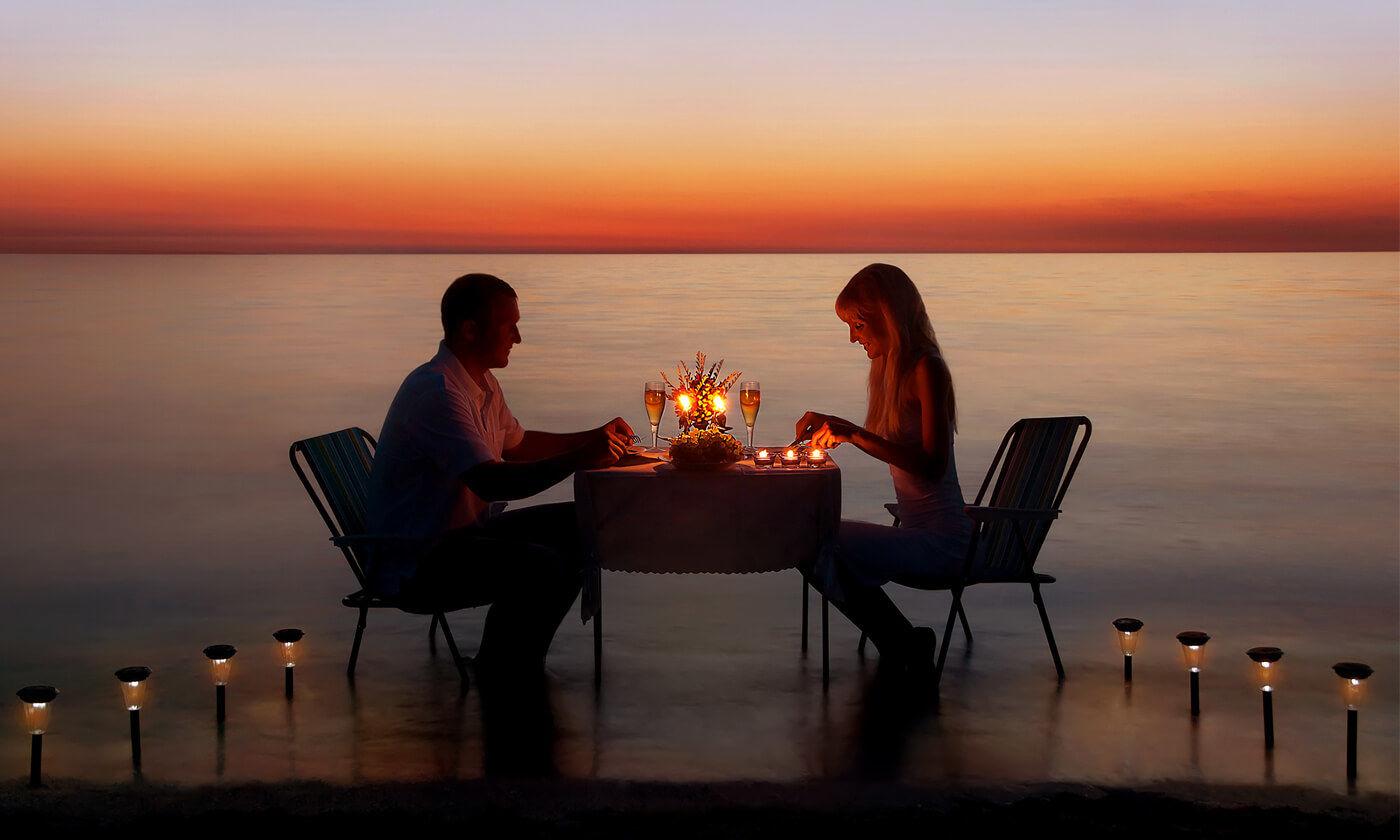 candle light dinner in dubai.