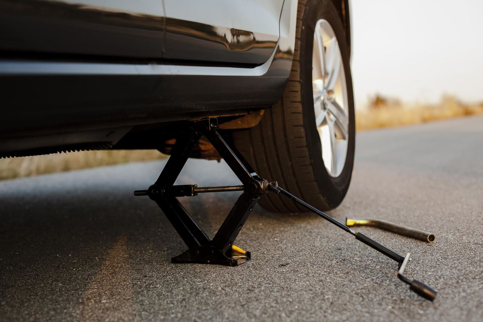 How to Change Your Car Tire All by Yourself? (DIY)
