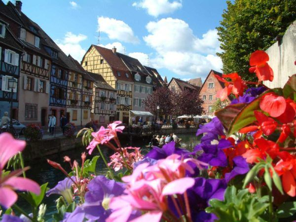 Splendid Places That Are Worth Visiting in Europe! | Ezybook | Blog