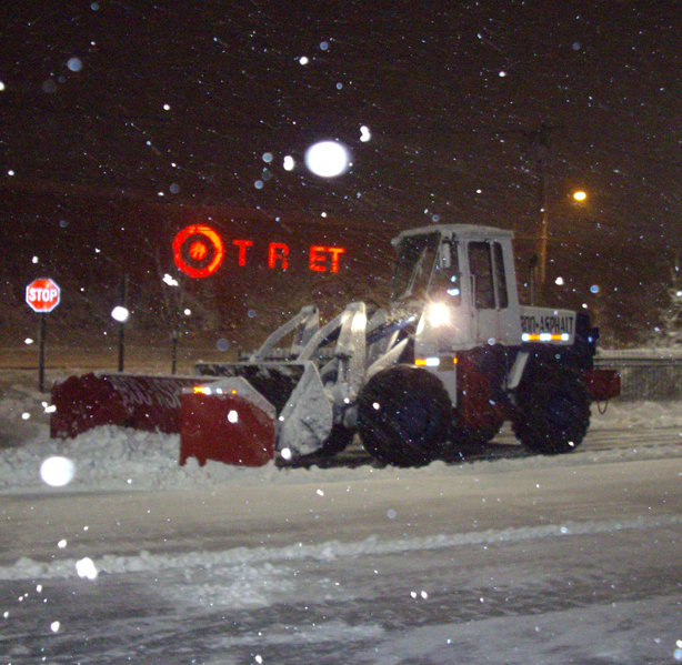 Essential Questions To A Commercial Snow Removal Company – paveusainc