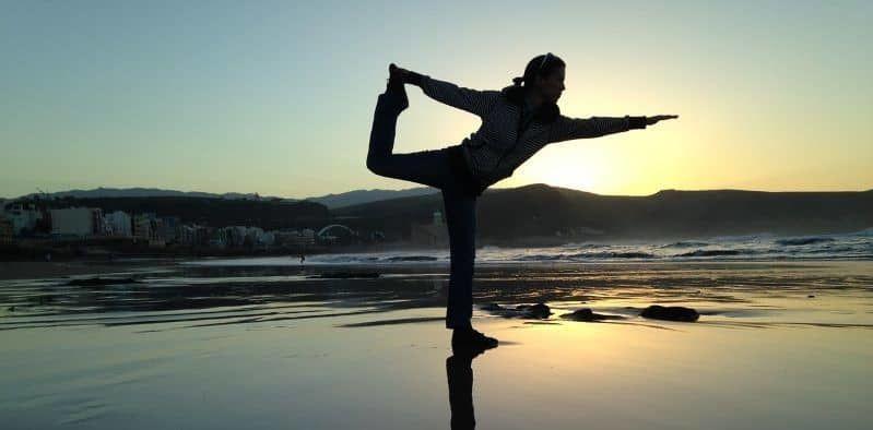 Dancer Pose (Natrajasana) - Chandra Yoga International