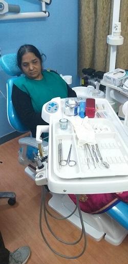 Dentist in Vasundhara Sector 16