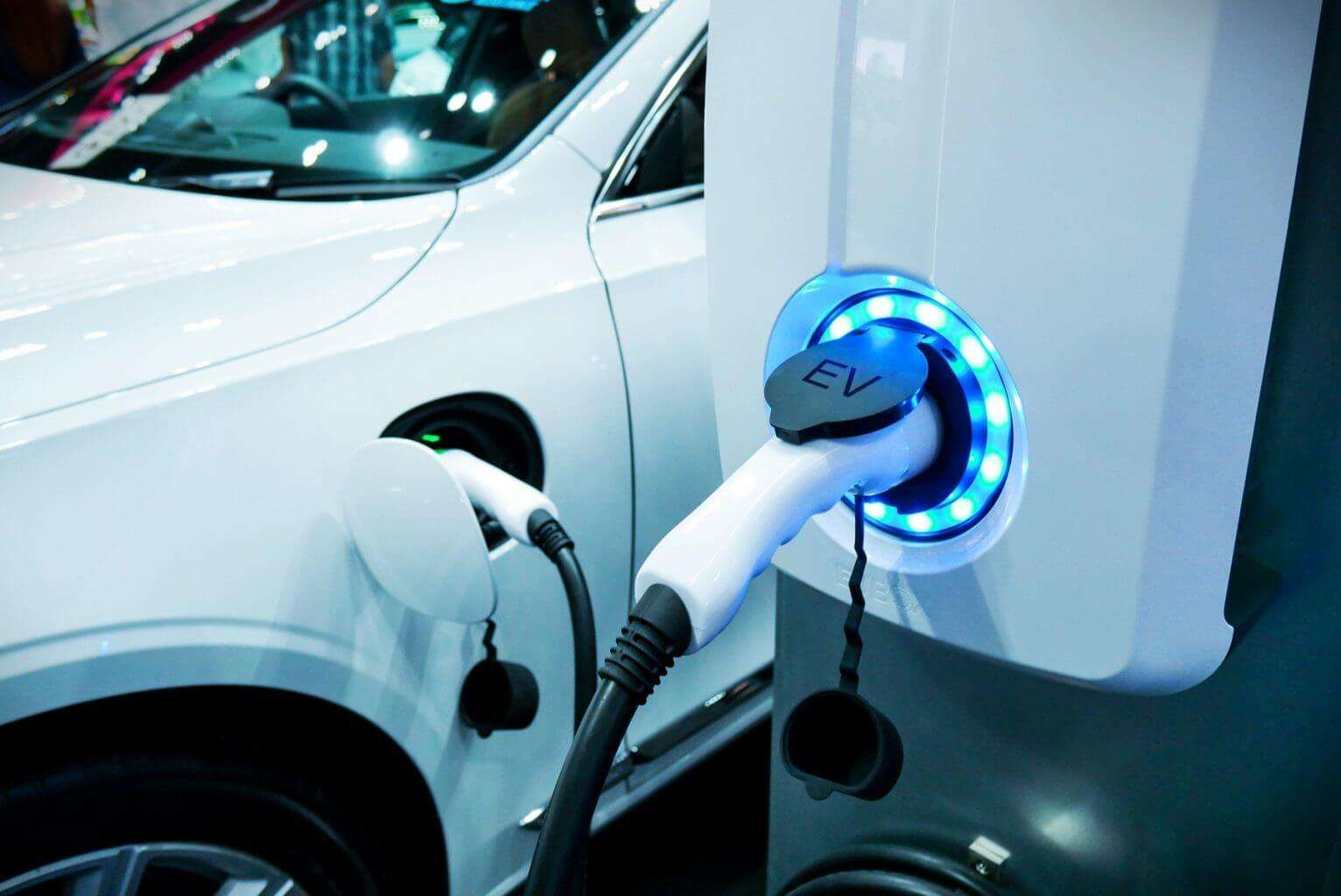 The Advantages Of Owning Electric Cars In Dubai | Carcility