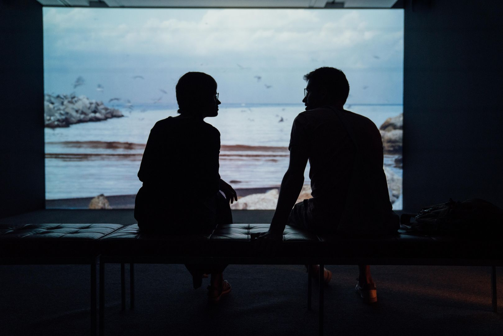 8 Conversation Starters For Dates | Loveawake.com blog