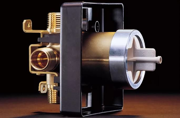 Features guide of the thermostatic shower valve