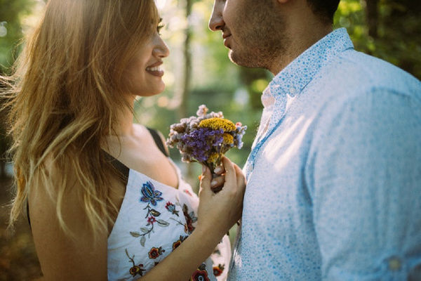 How To Propose To A Guy (Make Him Say Yes) - Cute Ways To Propose, Love Proposals, Marriage Proposals  | POPxo