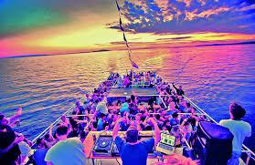 Despedida de soltera: fiestas en barco – saludymass