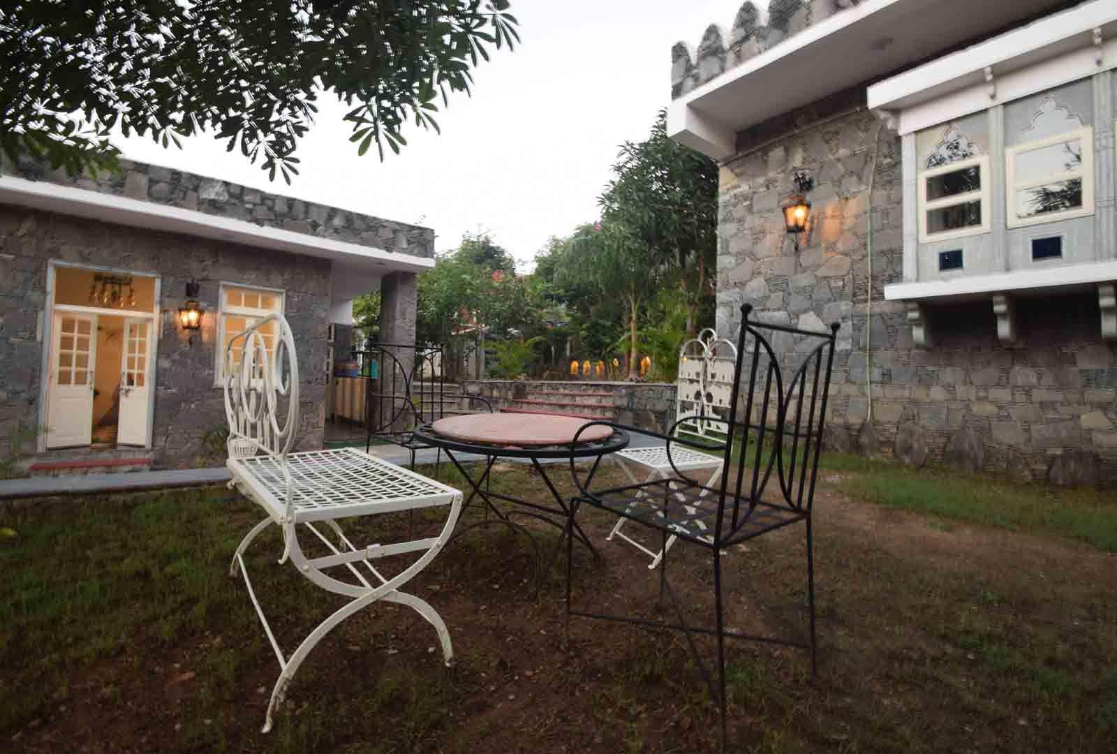 Stay in Best Hotel in Kumbhalgarh | Kaya Valley Resort