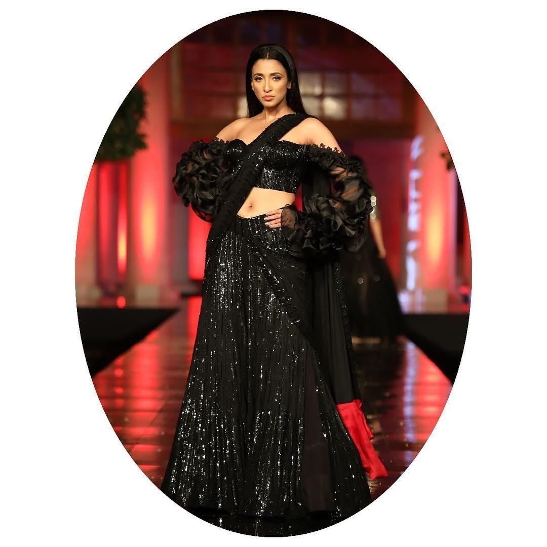 Trendy Saree Designs