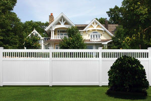 Vinyl Privacy Fencing Services in Lawrence, MA | Hulme Fence