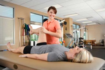Lady physiotherapist in Lucknow