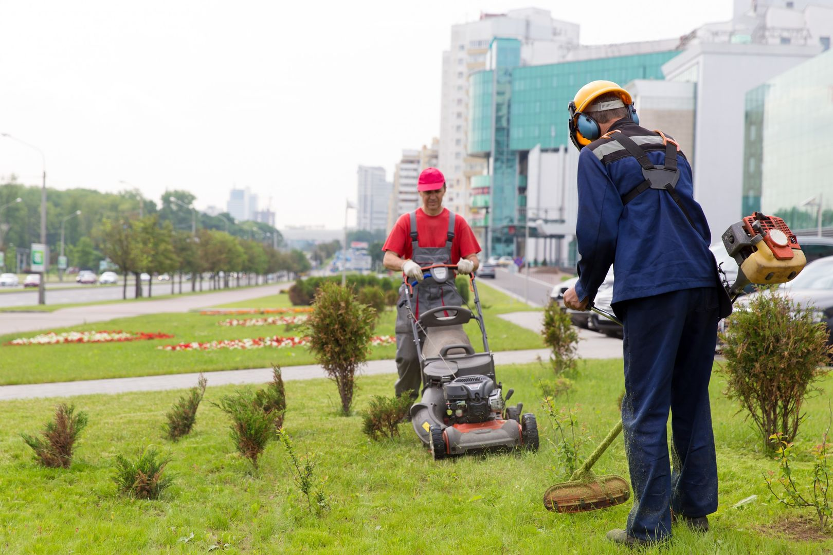 """Search """"Landscapers Near Me"""" For Affordable Landscaping Services"""