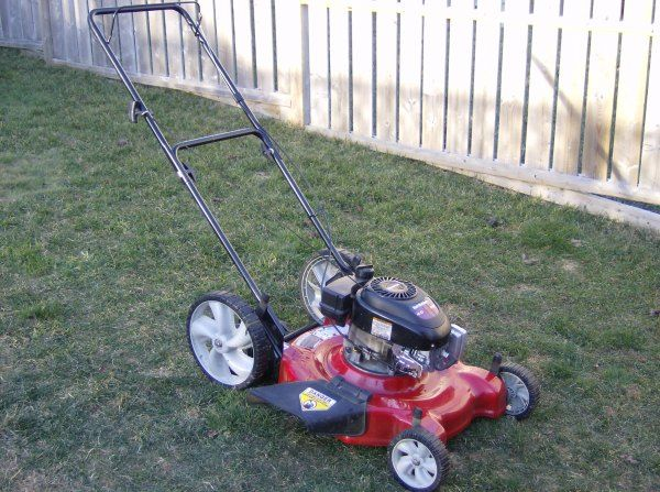 Buying a Cordless or Electric Lawn Mower for your Garden