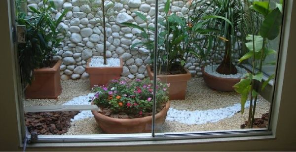 10 Ways to Decorate Your Landscape with Natural Pebble Stone