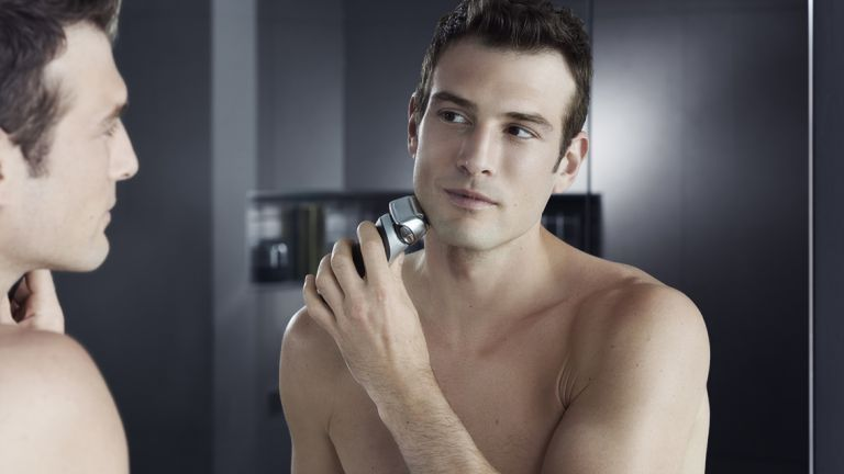 Bad Habits Decrease Electric Foil Shavers Lifediv Faster -  SHAVING THOUGHTS