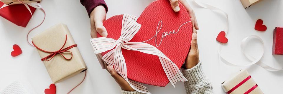 Perks Of Choosing Online Gifts in India