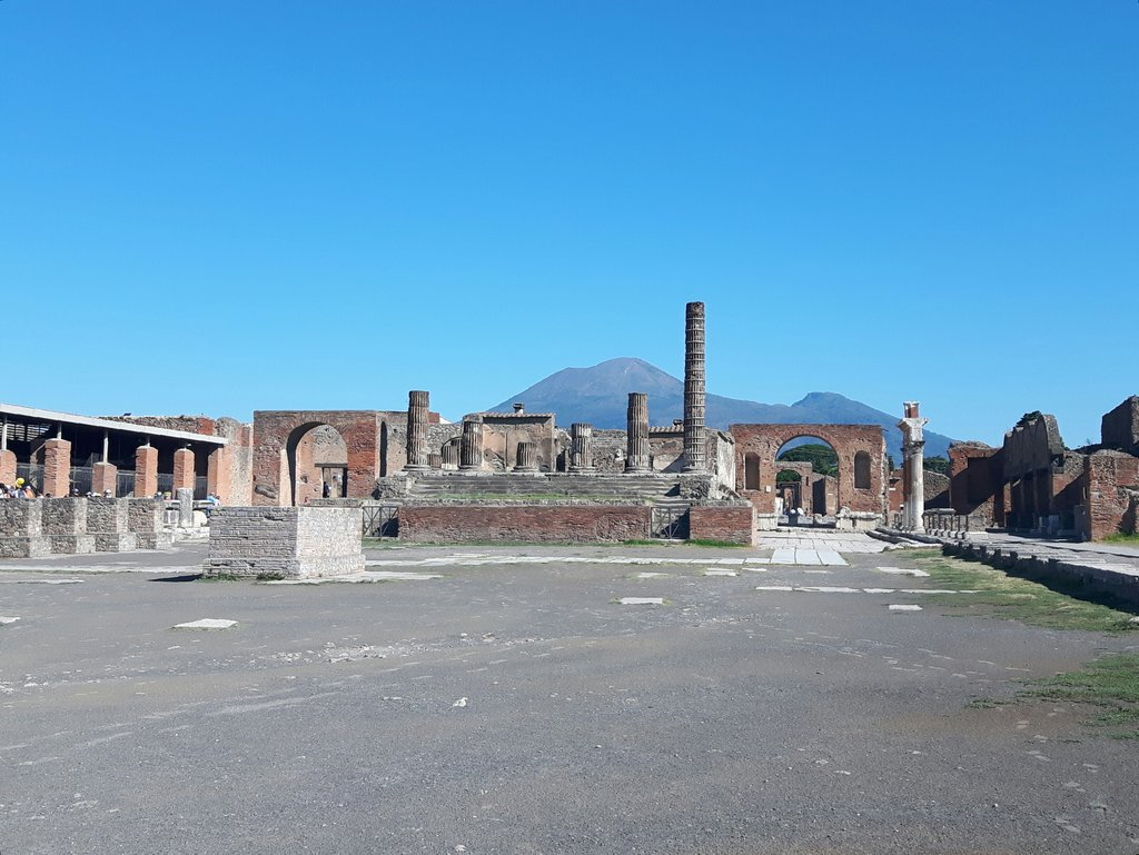 What To See In Pompeii Ruins