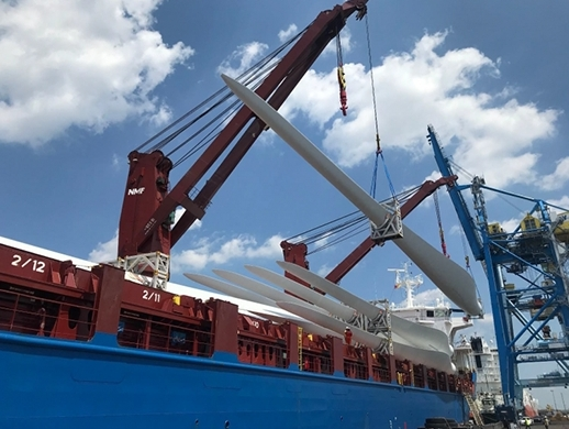 Gulftainer USA delivers largest wind turbine blades in record time | Shipping