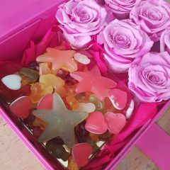 Flower Gift boxes & online flower delivery service UK - Bloomsandcandy