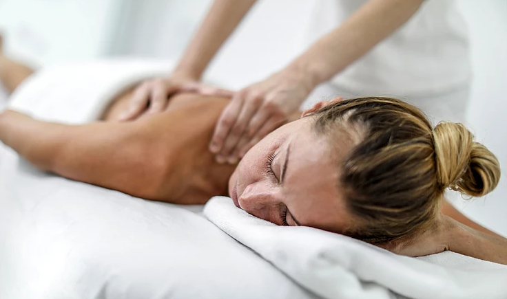Rejuvenate Yourself with a Body Massage Parlour in Delhi By Female
