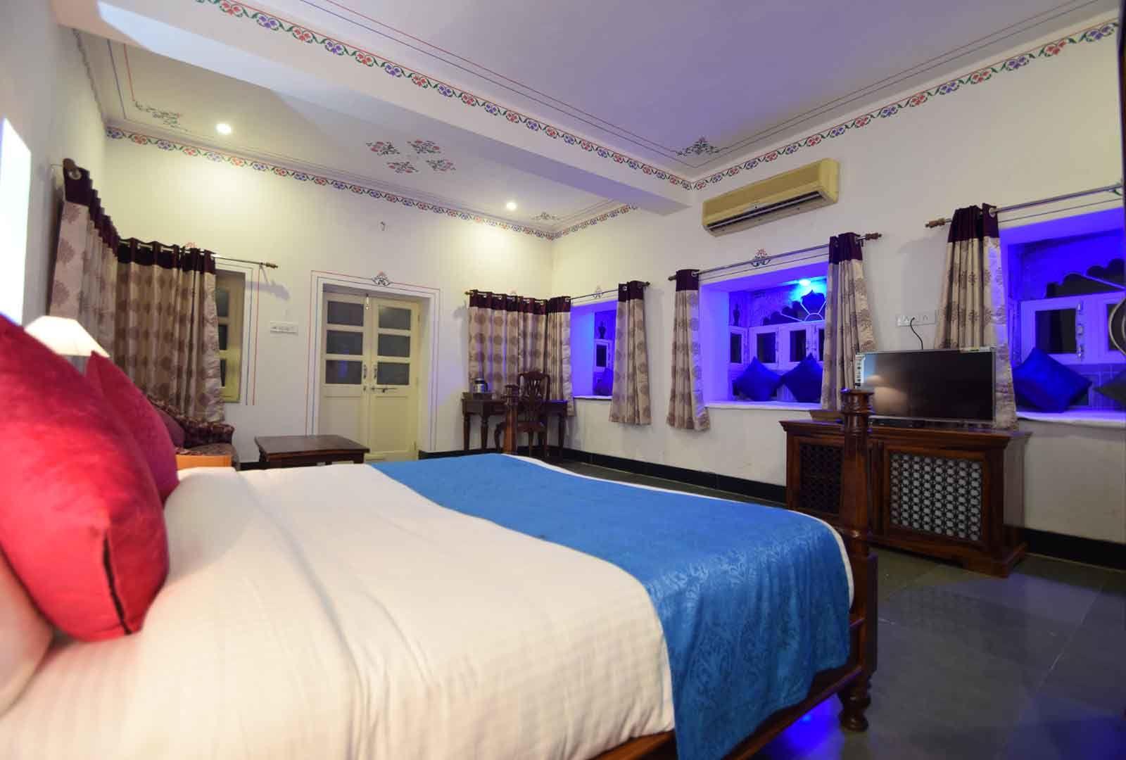 Stay in Beautiful Hotel of Kumbhalgarh | Kaya Valley Resort