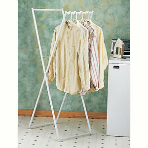 Folding vs. Hanging clothes hangers