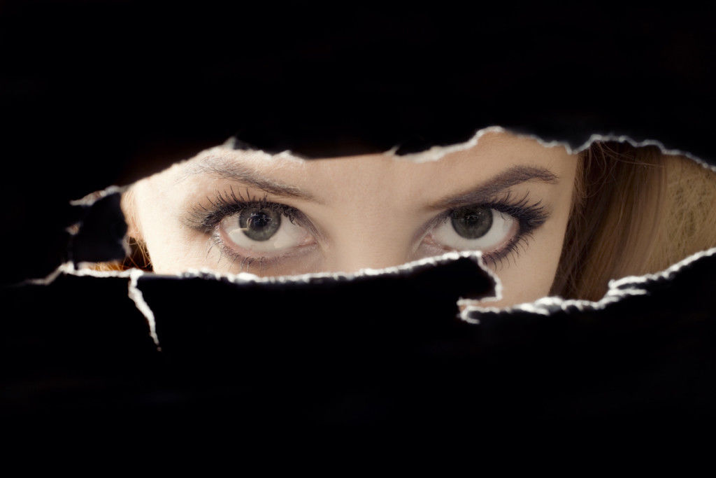 Sapphire, a Tale of a Spy in the Middle East