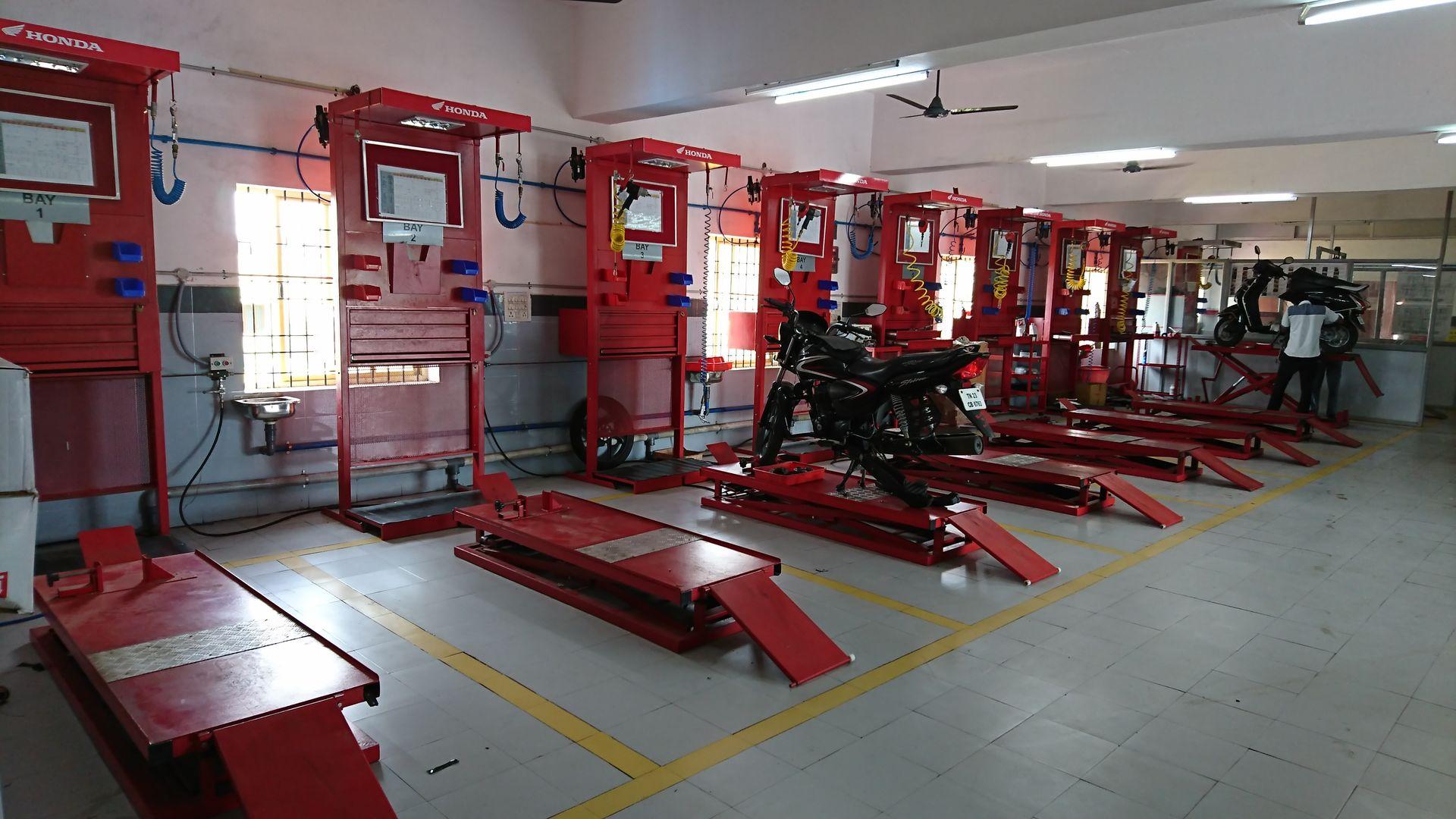 Honda bike dealers in chennai   Honda two wheeler showroom in chennai