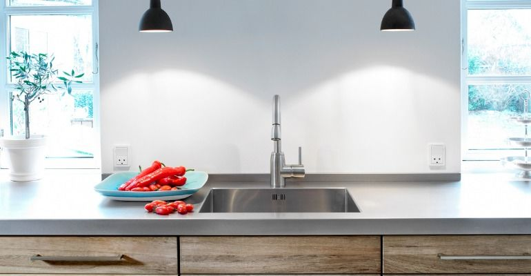 Things to Consider Before Buying A Kitchen Faucet  - With me