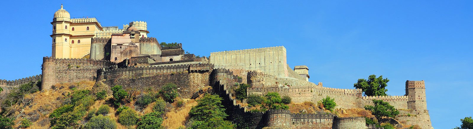 Cab Rental Services in Udaipur | Hire a Cab in Udaipur