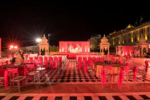 What important things to look for outdoor weddings?