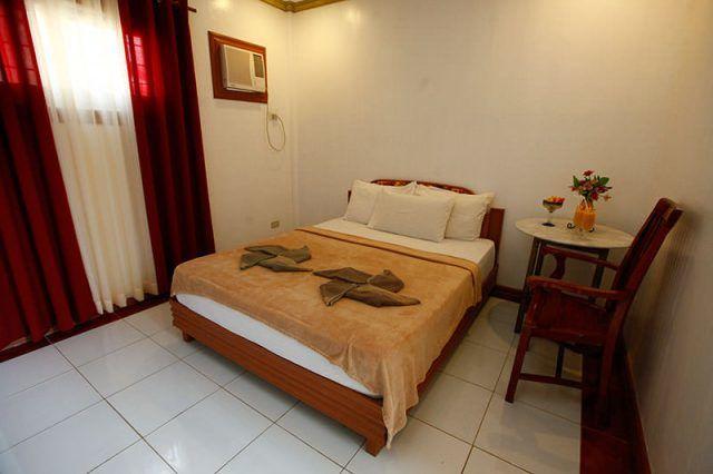 VILLA DE ORO BEACH RESORT | Boracay Station 2 | Rooms | Philippines