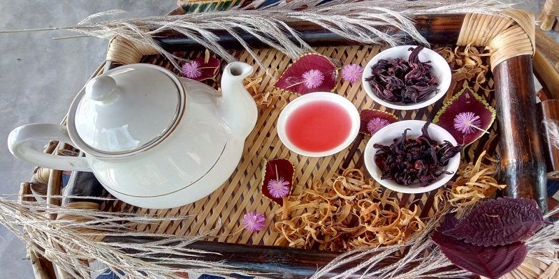7 Benefits of Hibiscus Tea & The Conditions It Cures Naturally
